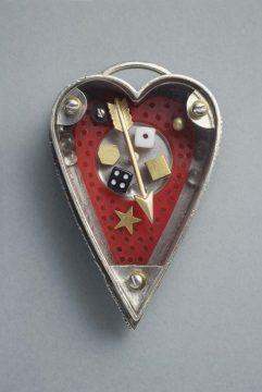 Thomas Mann Heart Pin