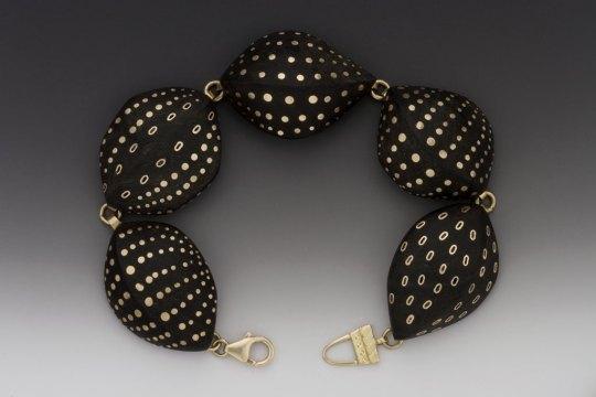 Susan Chin, Ebony Pod bracelet, 2006. George Post photograph