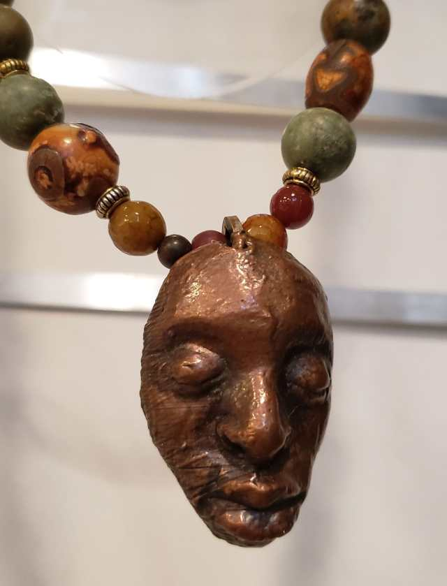 Clyde Johnson, Necklace. Denise Kang photo. JEWELRY episode of Craft in America