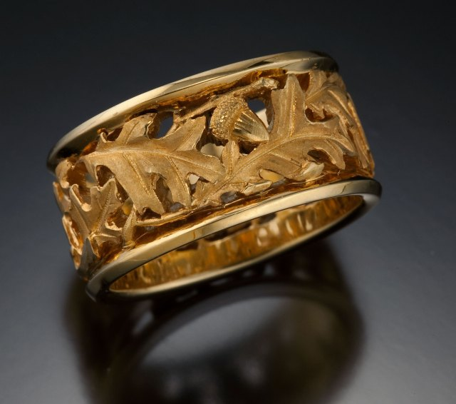 Tom Herman, Scarlet Oak Band. Courtesy of the artist. JEWELRY episode of Craft in America