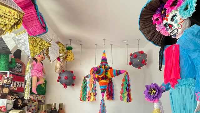 Craft in America, Lorena Amazing Piñatas