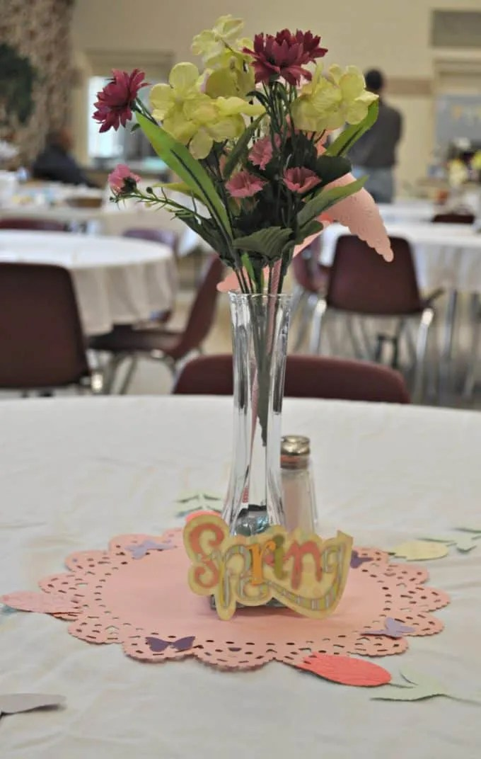 Cricut Spring Table Decorations