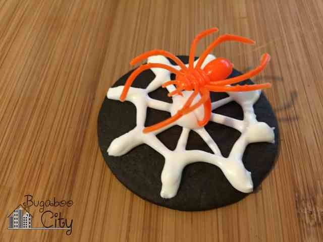 Halloween spider cookie