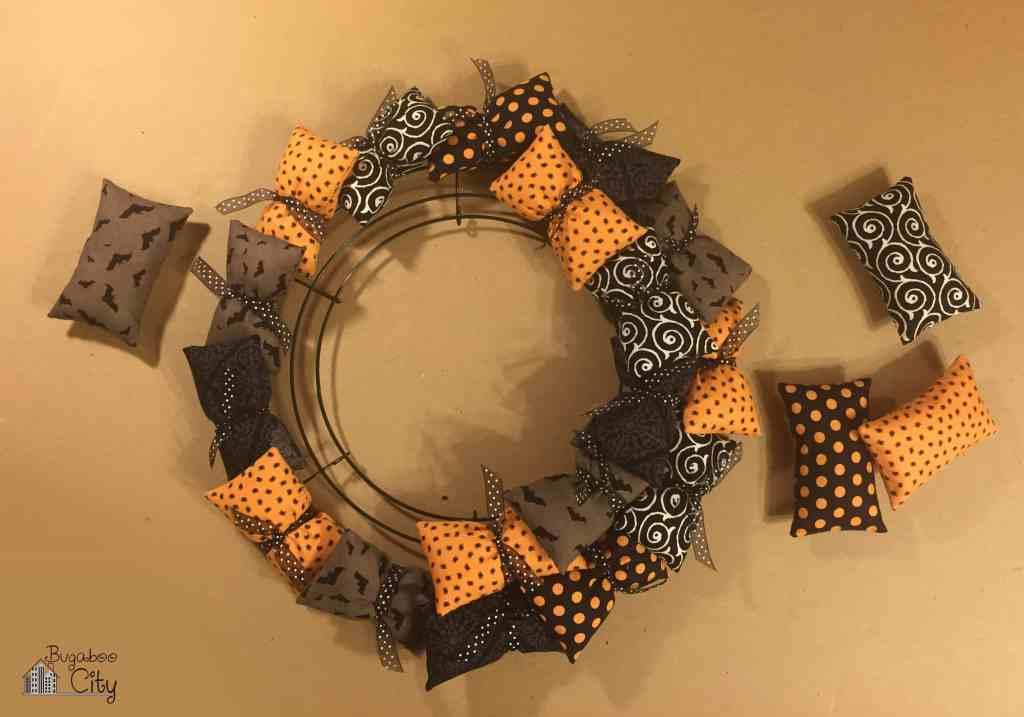 Halloween Pillow Wreath Tutorial 2