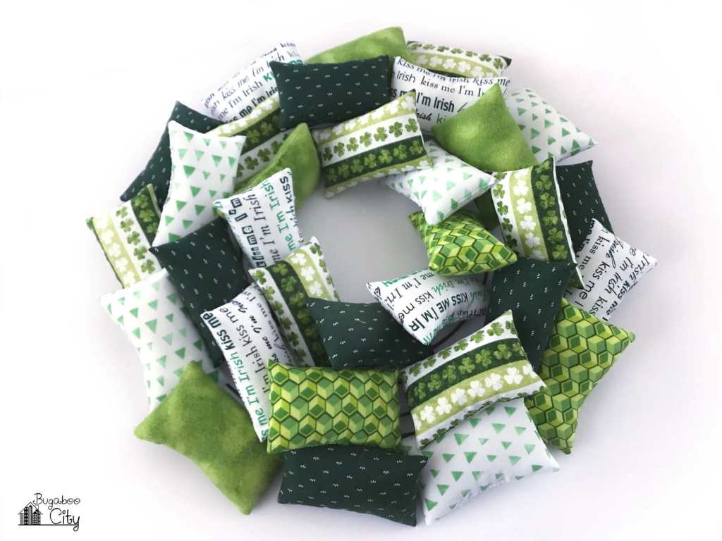 DIY St. Patrick's Day Pillow Wreath Tutorial