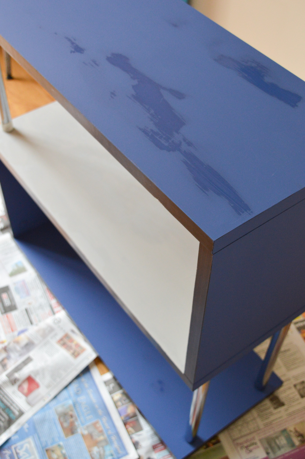 Rust Oleum Furniture Paint shelf makeover