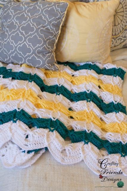 Super Easy Crochet Baby Blanket