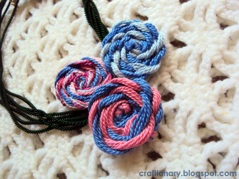 yarn flower necklace