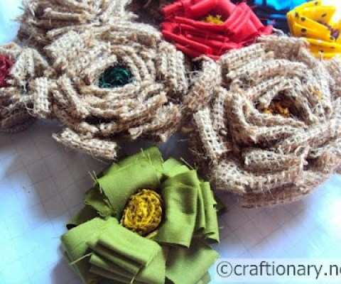 making burlap flowers