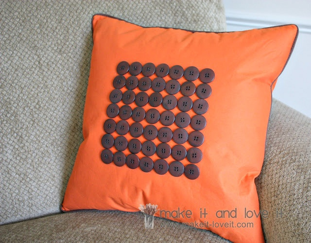 button pillow tutorials