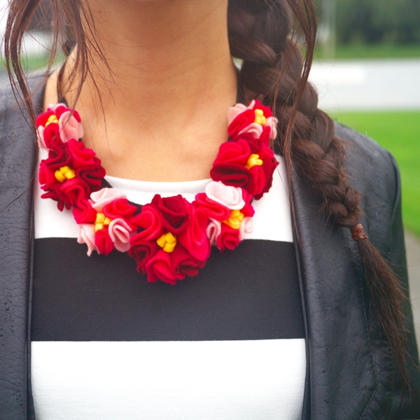 felt flower necklace