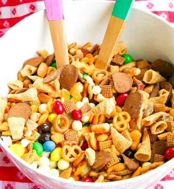 homemade sweet trail mix ingredients