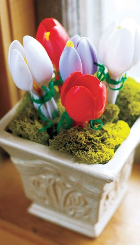 plastic spoon flowers tulips