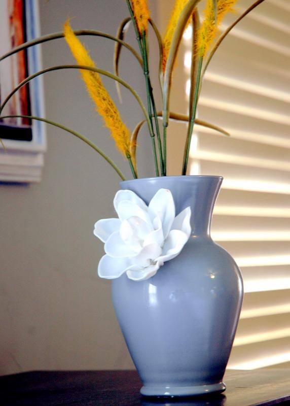 plastic spoons flower rose vase