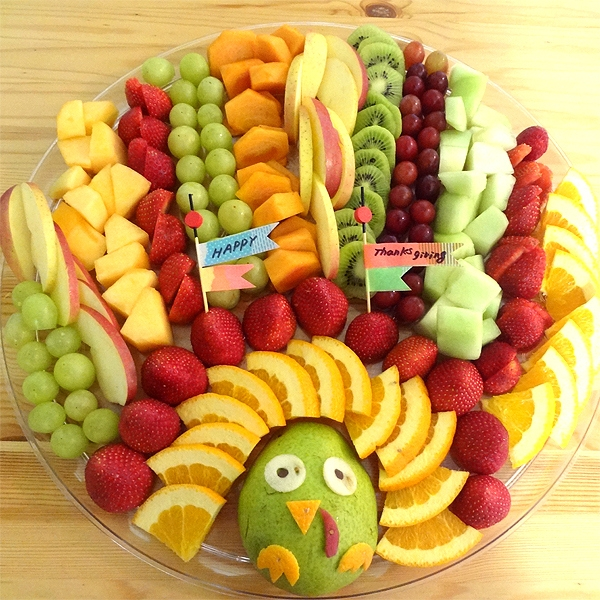 creative fall recipe - turkey fruit tray