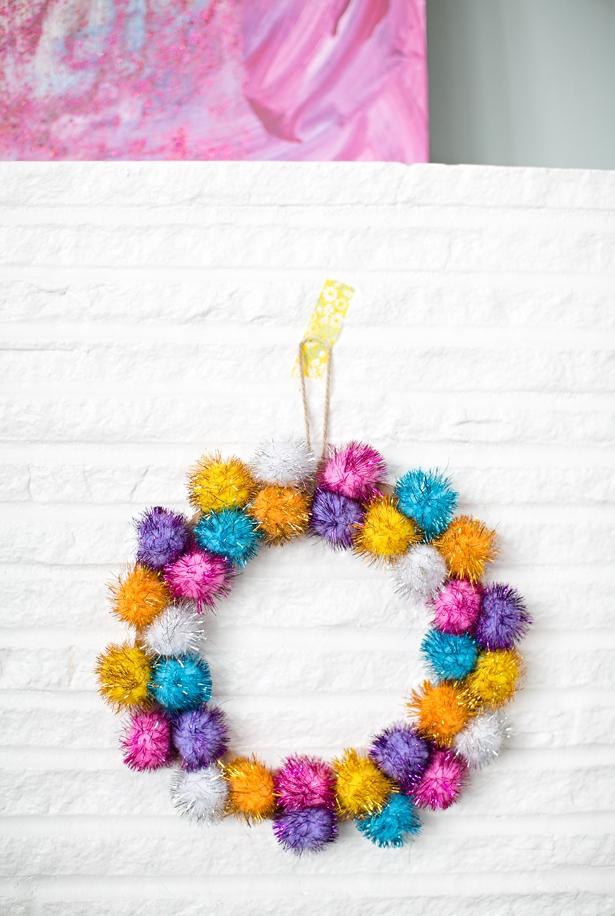 DIY pom pom sparkle wreath
