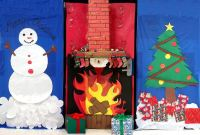 Christmas Chimney Door Decorations | www.indiepedia.org