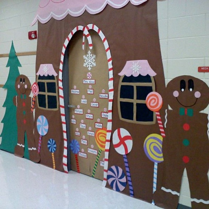 ginger bread house christmas door