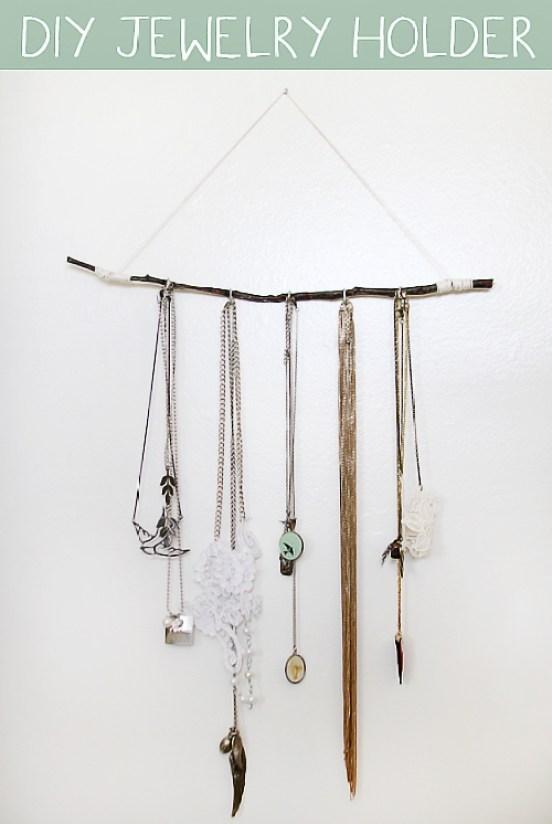 diy jewelery holder