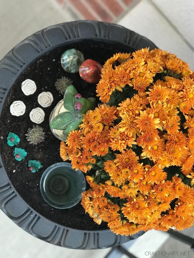 diy-front-porch-fall-planter-fairy-garden-bird-bath