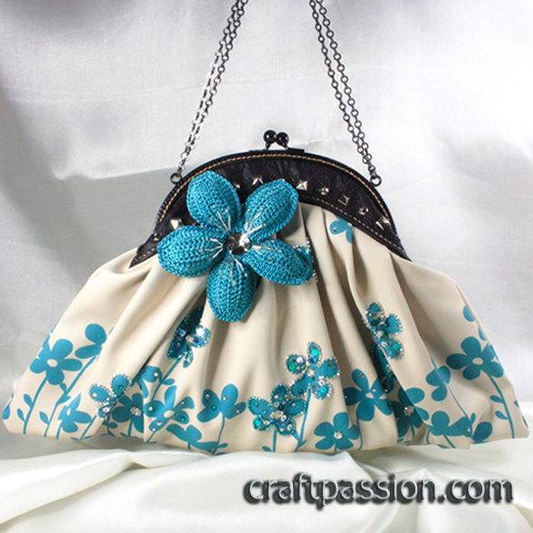 Blue Flower Frame Clutch Bag