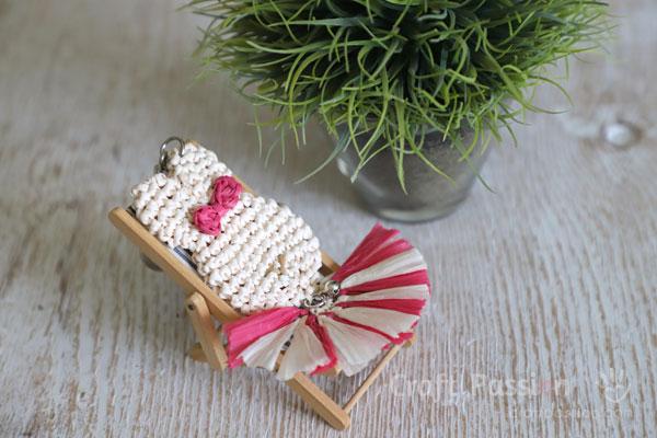 cute bunny pendant crochet pattern