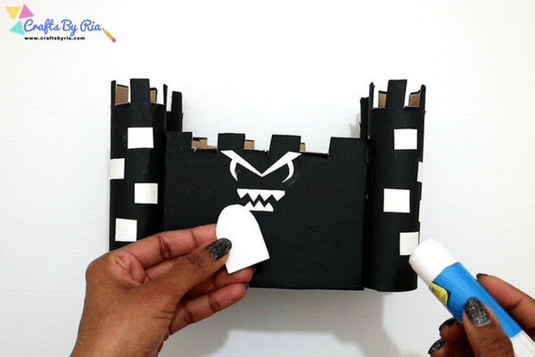 diy haunted house craft for kids-step9-add a small door