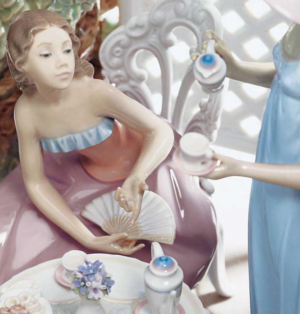 リヤドロ テラスでお茶を ( Lladro Tea In The Garden )
