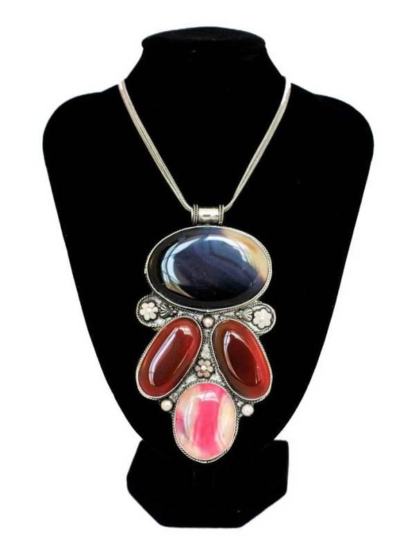 Vintage Pendant Necklace 2