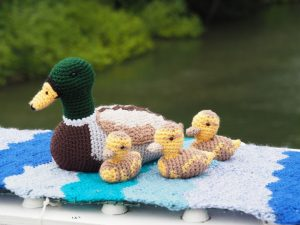 A family of crocheted ducks