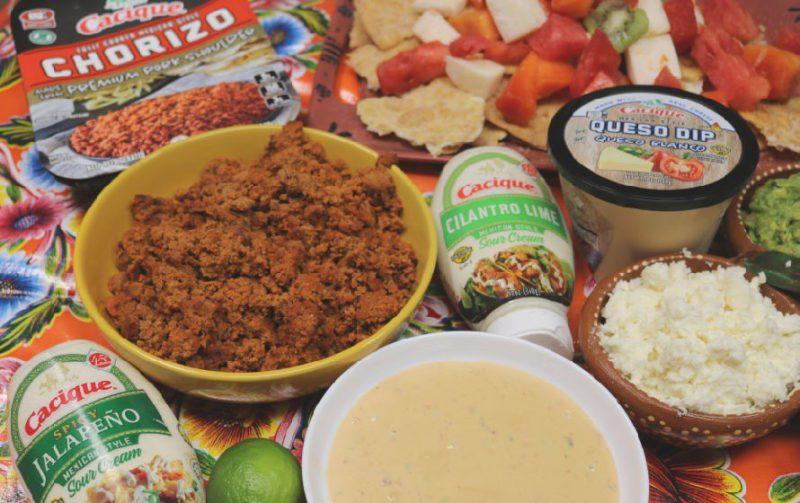 Comfort food nachos three ways! #craftychica #ad #GoAutentico