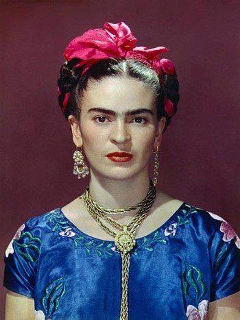 maquillaje-inspirado-en-frida-kahlo