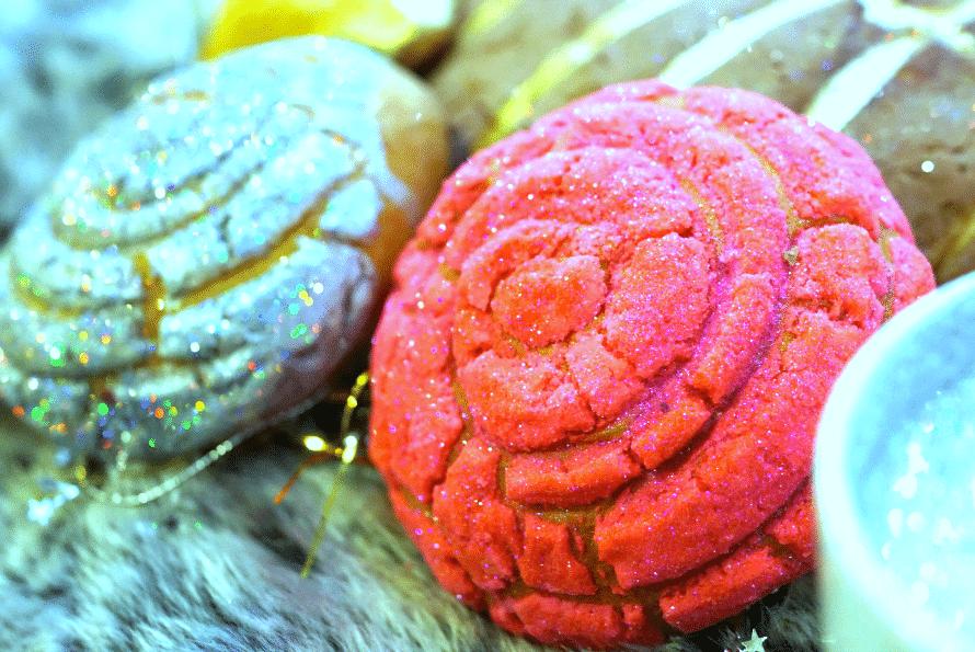 Edible glittered pan dulce