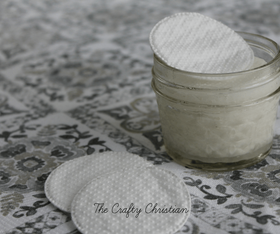 Women put so many toxins in their bodies just from beauty products alone. This recipe for easy natural makeup remover will help remove some of those toxins from your routine while helping your complexion!