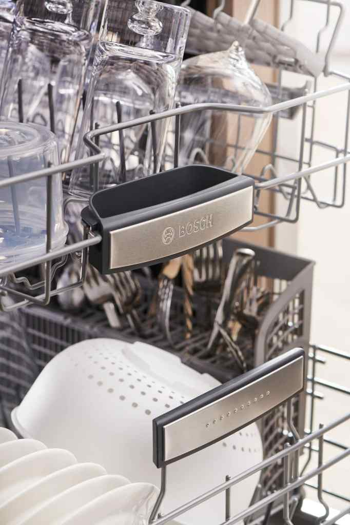 Dishwasher racks of the Bosch 800 series dishwasher
