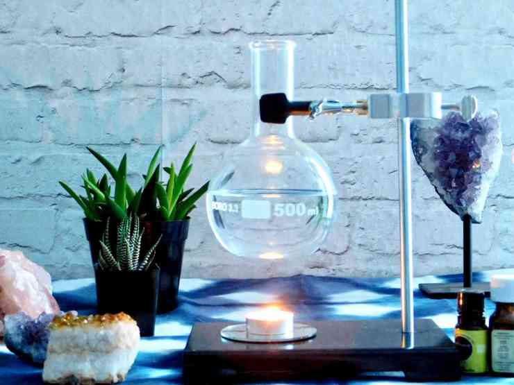 Science Lab Essential Oil Warmer DIY