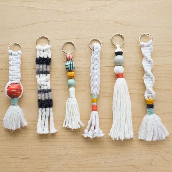 DIY macramé keychains, photo