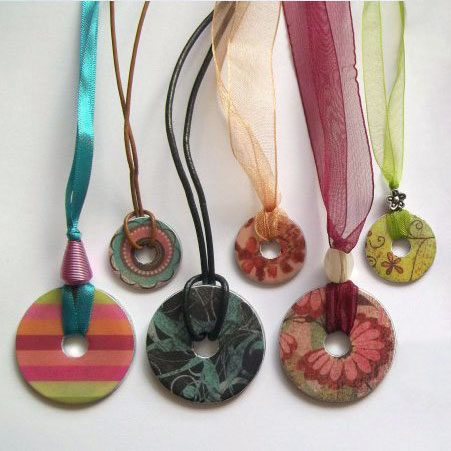 Colorful washer necklaces, photo