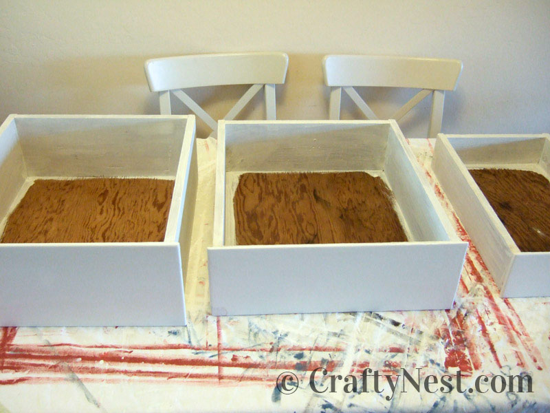 Drawers painted with primer, photo