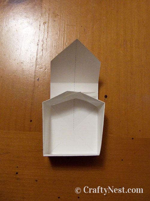 Folding a box, step 6, photo