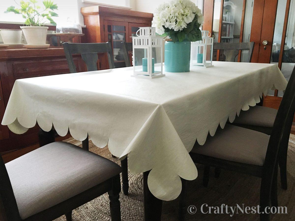 Scalloped table cloth, photo