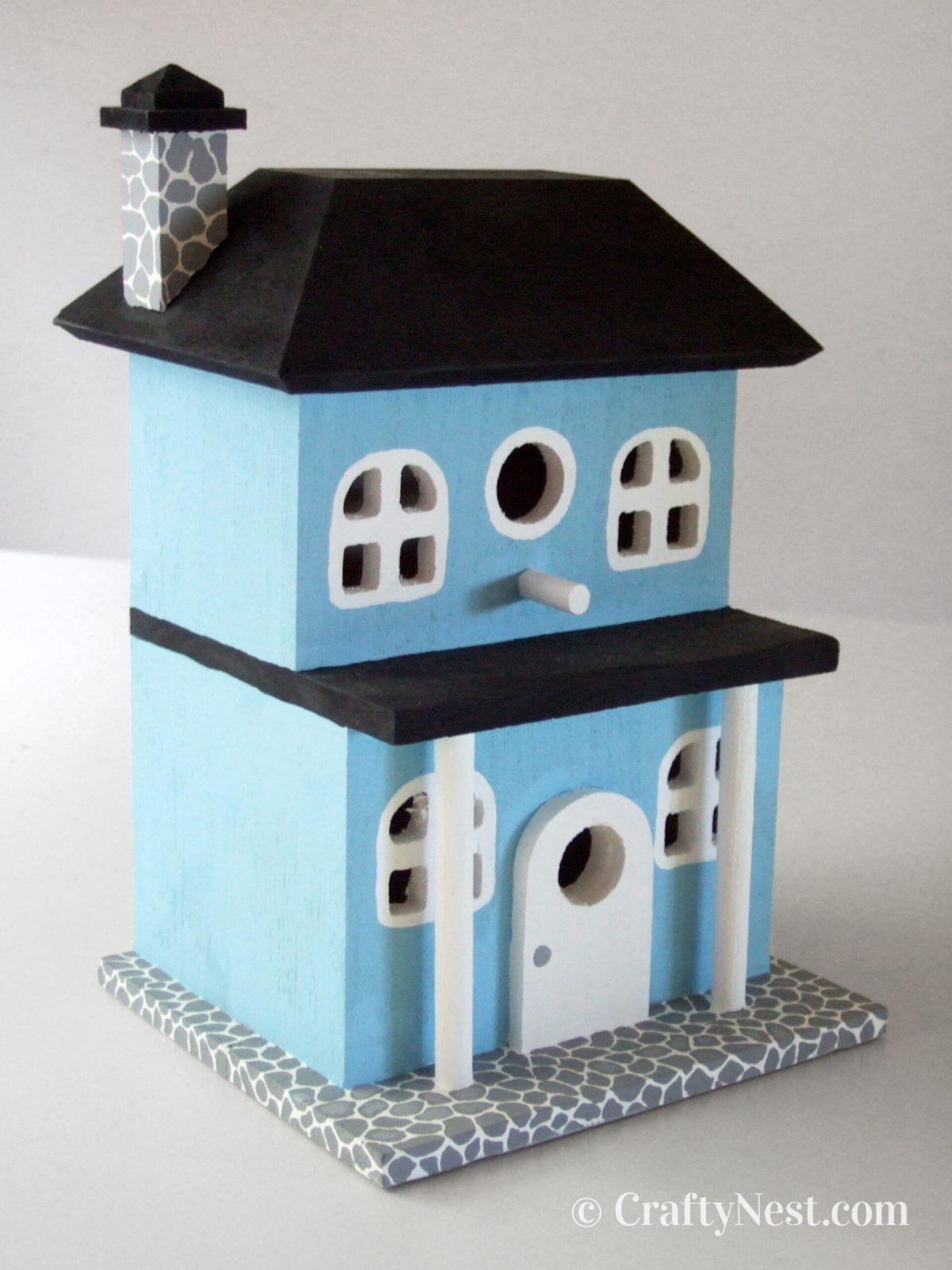 Painted birdhouse, photo