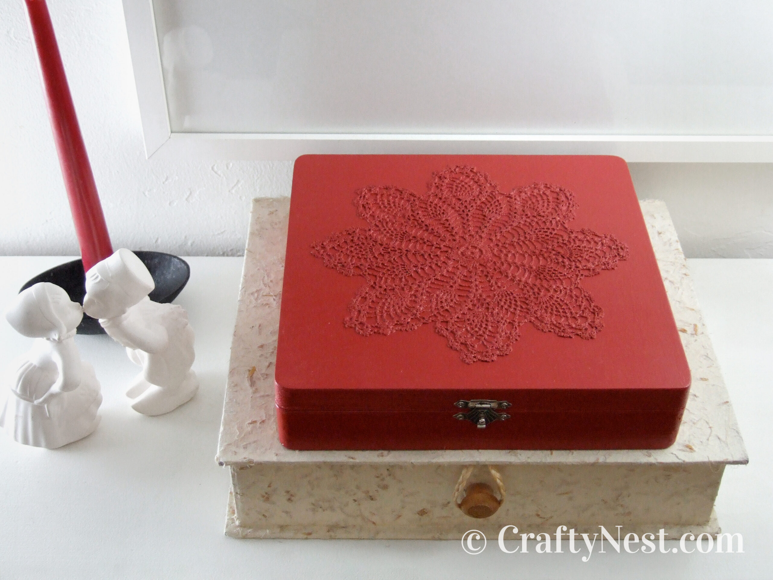 Red doily matchbox, photo