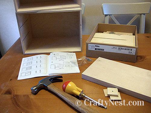 Supplies to make a paper organizer, photo