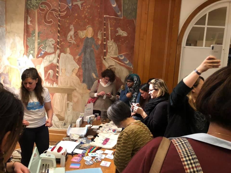 Démonstrations du premier Meet & Greet Cricut à Paris Infusible Ink