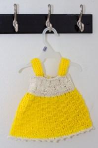 Baby dress - Free knitting pattern