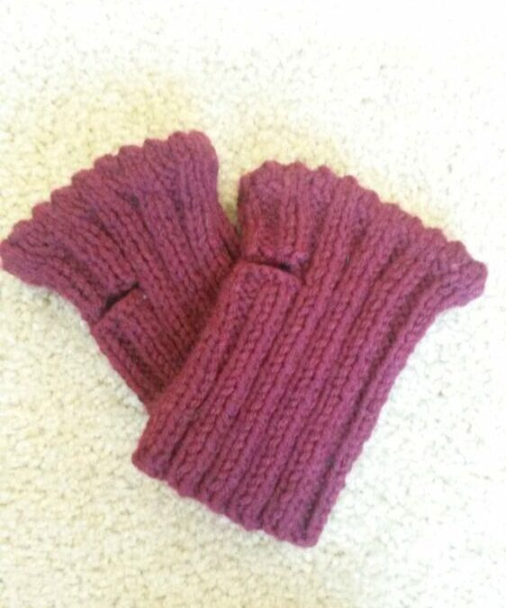 Short Fingerless Gloves Free knitting pattern