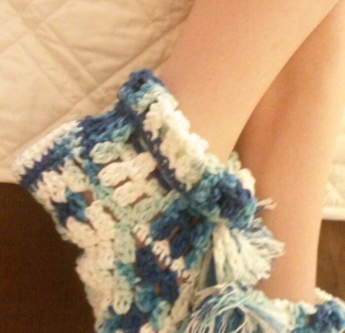 Crochet slippers – Free pattern