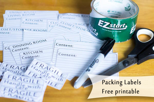 Packing labels - free printable. Make your moving just a little bit easier by being prepared and use this simple, yet useful packing label to organize boxes