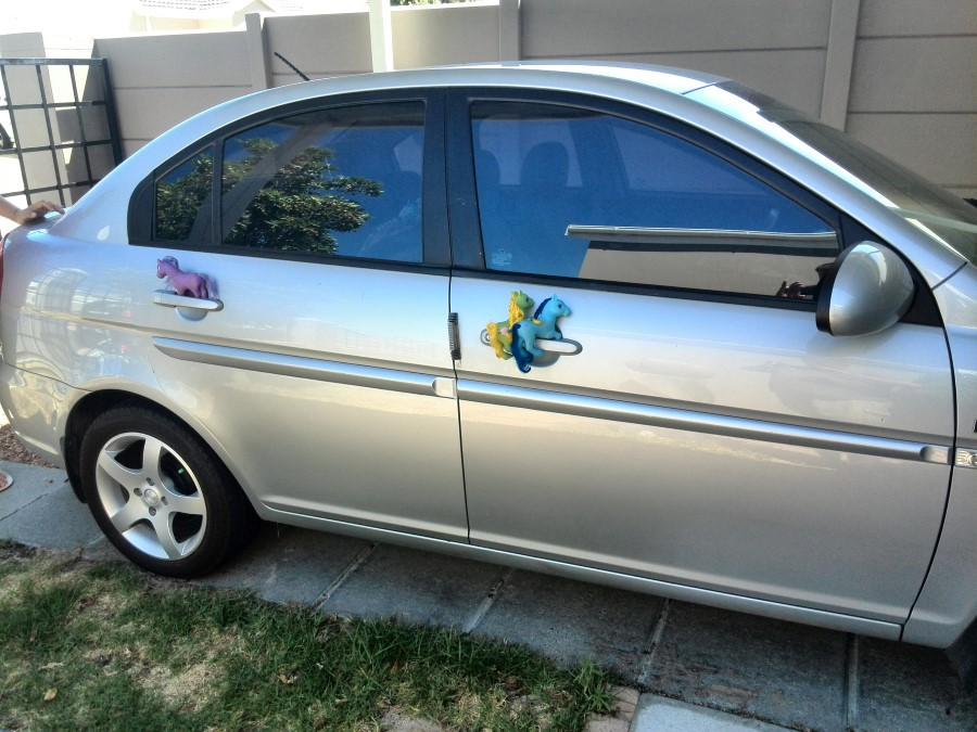 IMG_20150117_110100 2007 hyundai accent being opened by my little ponies?resize=350%2C200 the case of the sporadically broken hyundai getz central locking hyundai getz central locking wiring diagram at downloadfilm.co